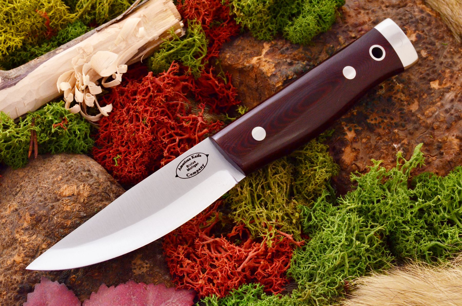 akc forest compact maroon linen micarta 329.95